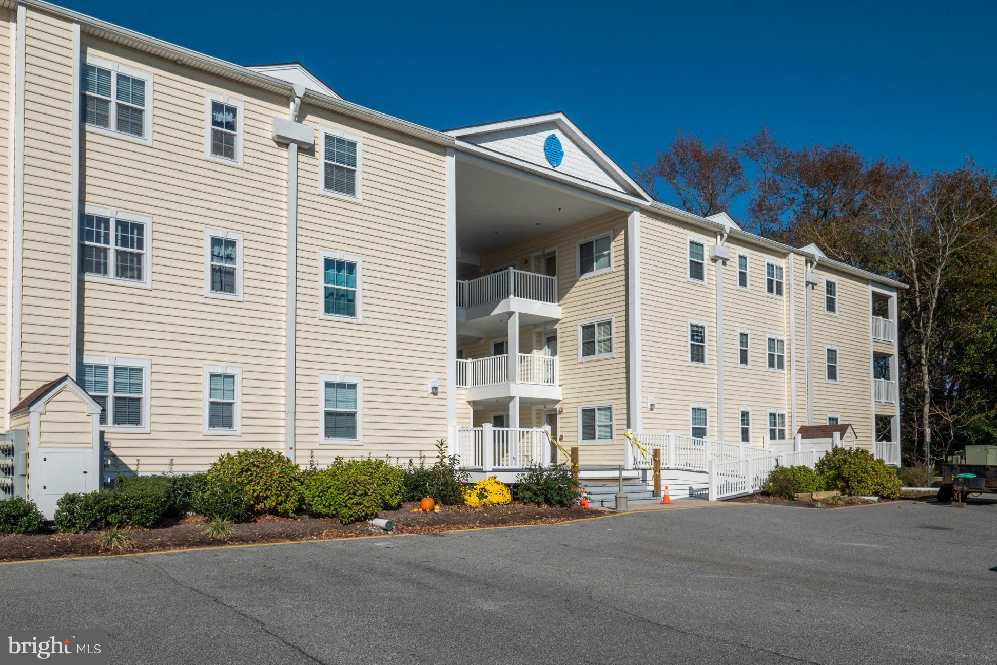 If you are looking for a turn key vacation condo in the Bethany Beach area then look no further. Thi