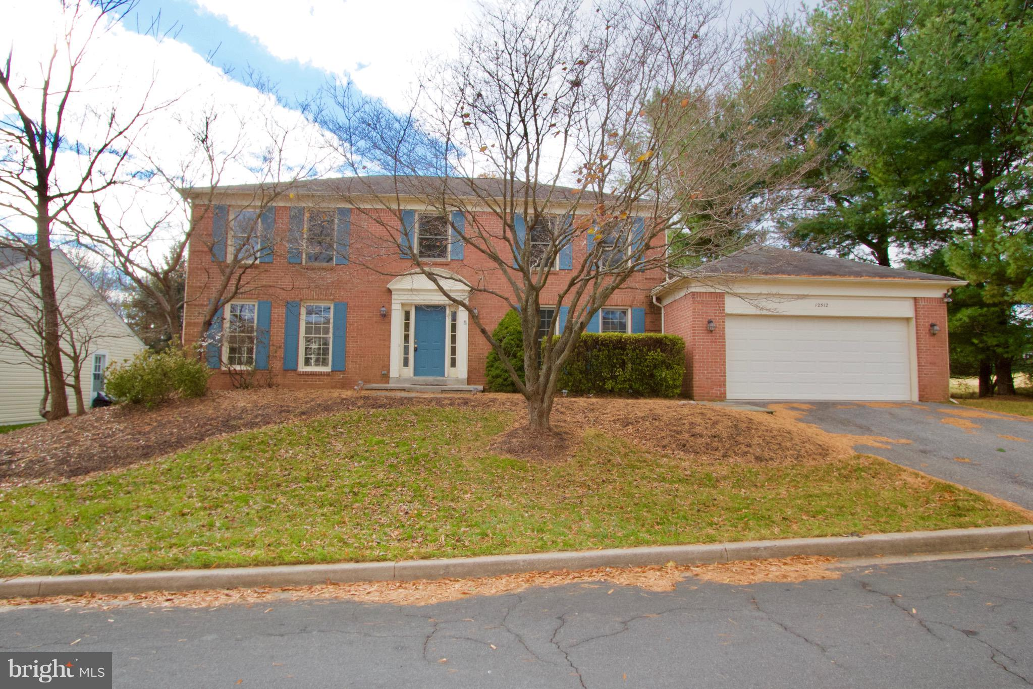 You've got to see this spacious colonial on a cul-de-sac with newly renovated kitchen, new kitchen appliances, refinished hardwood floors, main bath tile, additional recess lighting and more.  Backs to trees and a good amount of backyard living area.  The living room, dining room, family room and kitchen are fairly large plus you get an office/den.  A one year HMS home warranty is included with this purchase.