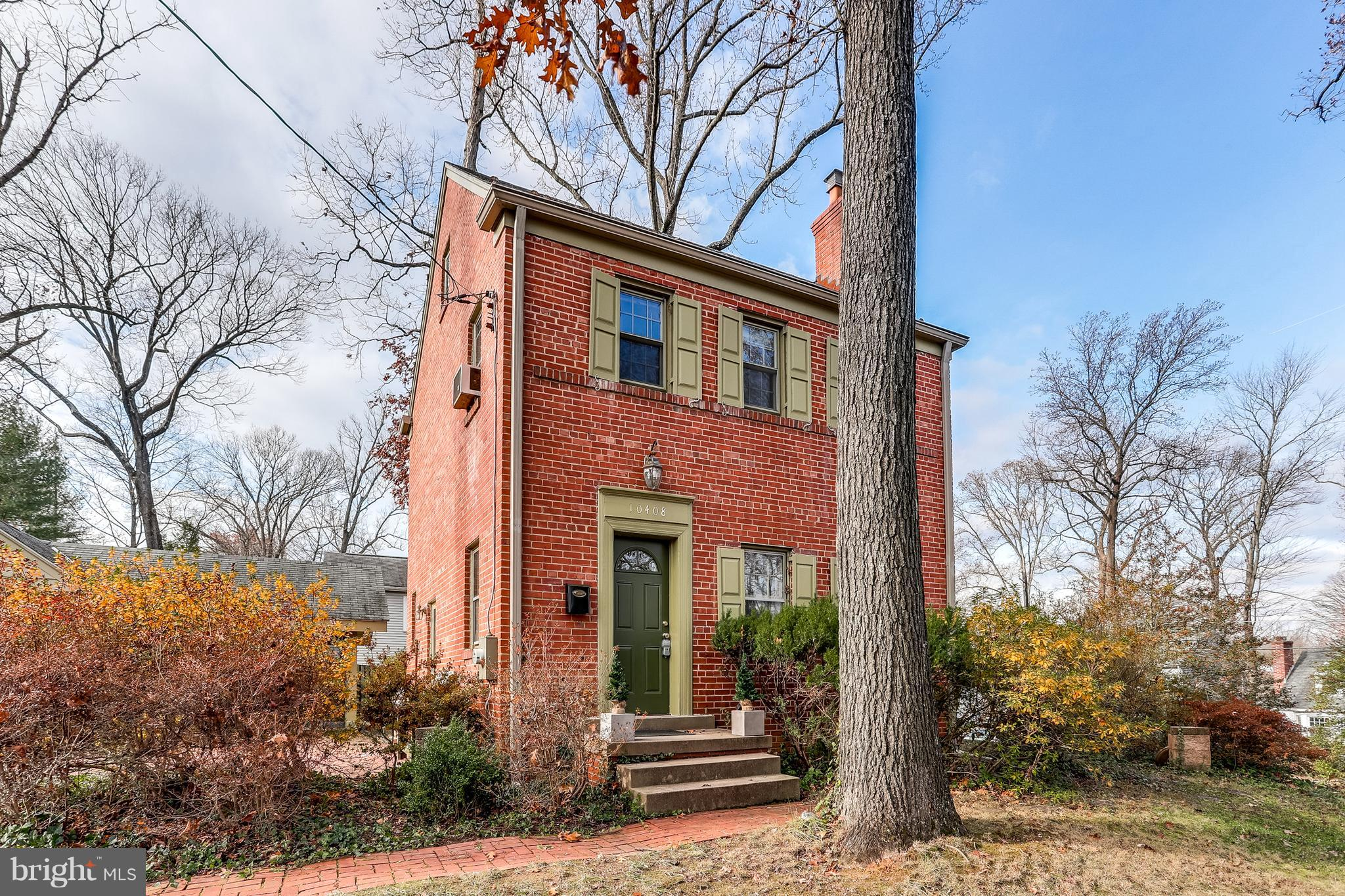 Make Haste to visit this enchanting old home on a serene lot, with mature azaleas, a holly tree to w