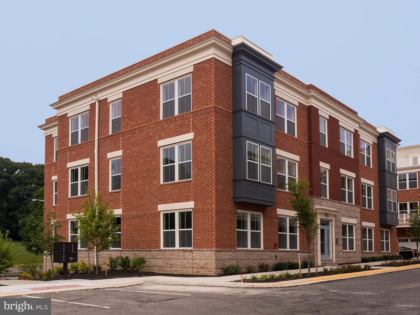 BRAND NEW CONDO-FLAT.  IMMEDIATE MOVE-IN.  9' CEILINGS. 2 RESERVED PARKING SPACES.  PRIVATE STORAGE AREA.  VIEW OF TREE PRESERVE AND PARK.  CONDO FEE INCLUDES USE OF RESTON ASSOC AMENITIES.  SEKAS HOMES BUILDING CUSTOM HOMES FOR 33 YEARS.  COME TO SALES OFFICE AT 1977 ROLAND CLARKE PLACE IN SUNRISE SQUARE.