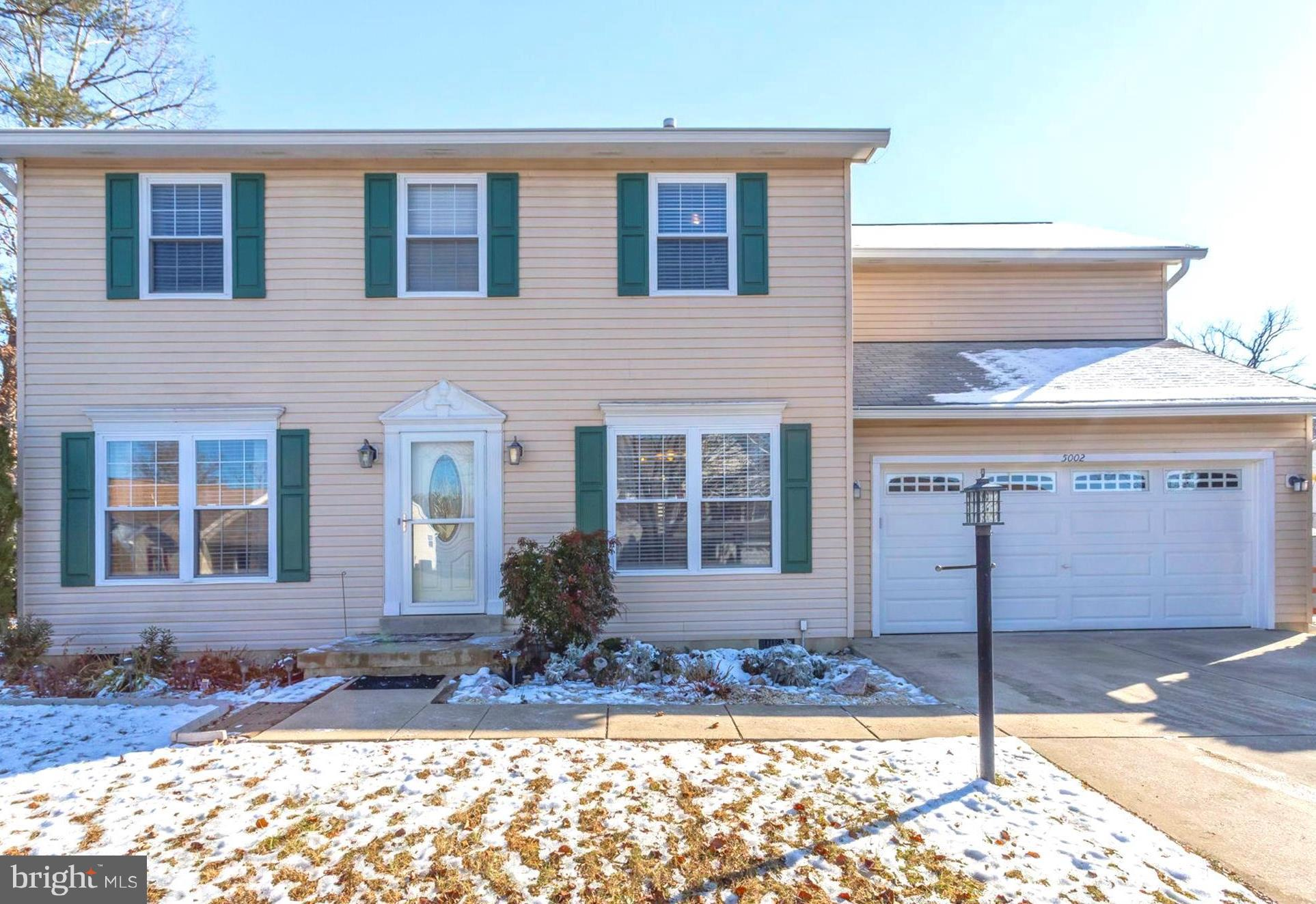 Beautifully maintained 4-5 BR, 2.5 BA with 2 Car Garage in sought after Dorchester Neighborhood! Ope