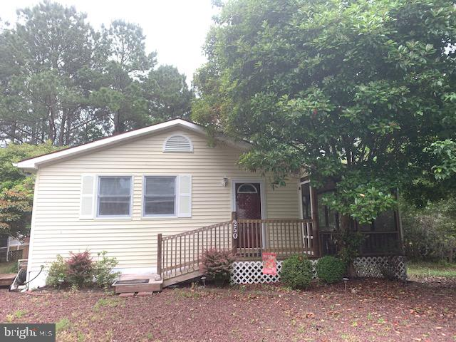 Spacious and well maintained describes this 3 Bedroom / 2 full baths in Ocean Pines.  Open floor pla