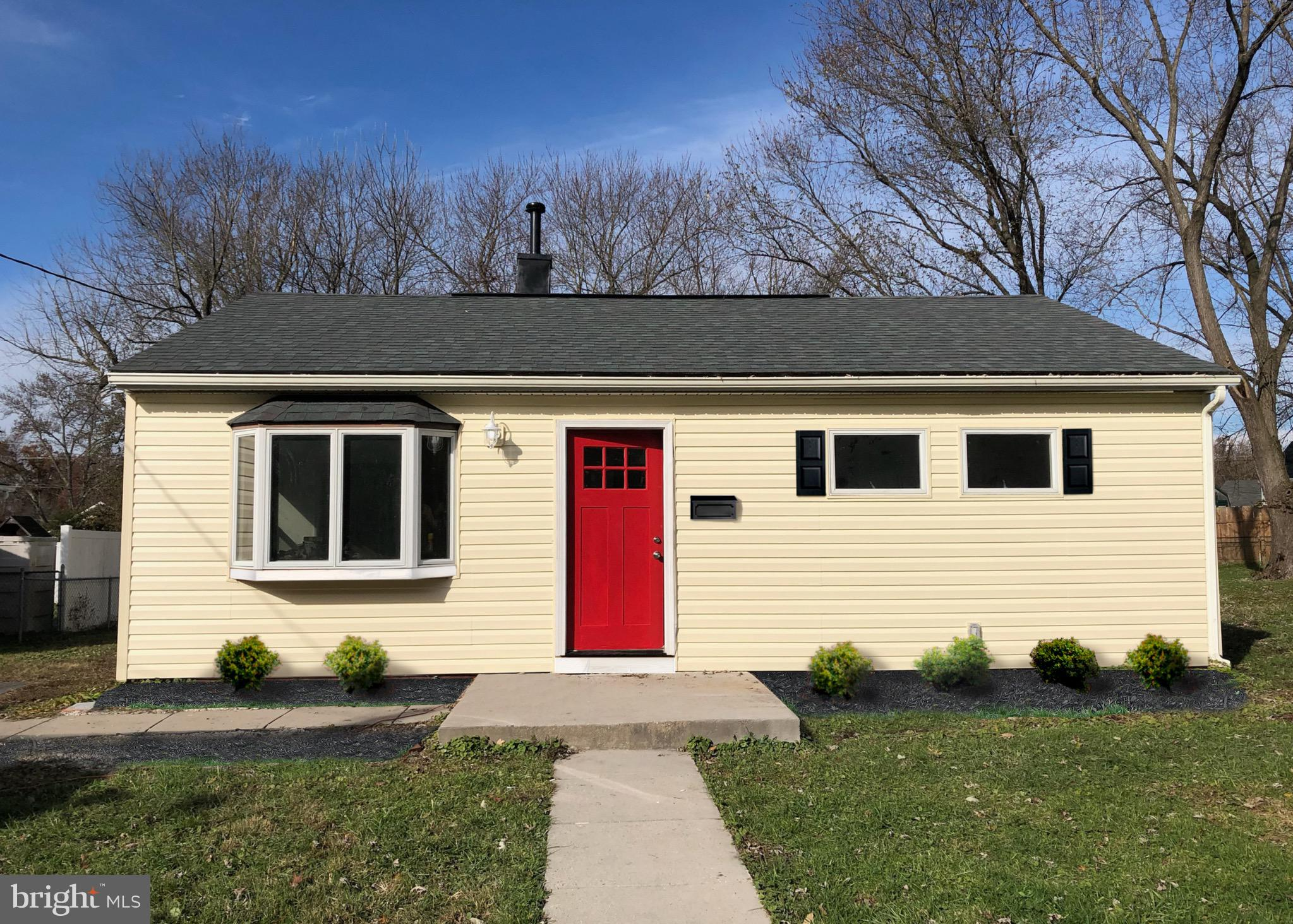 Come see this great starter home with 3 bedrooms, 1 full and 1 half bath. The kitchen has been redon
