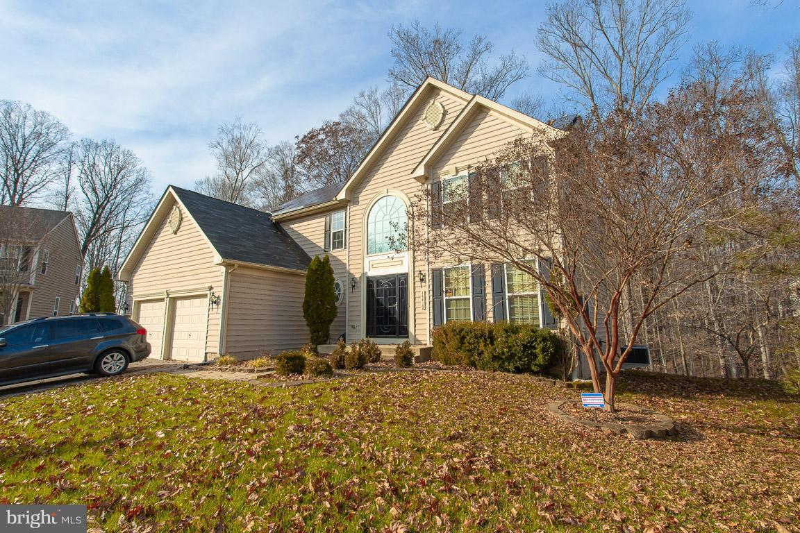 Get the BUYERS CHECKLIST OUT!  This home is located in The Preserves at Piscataway and is situated o