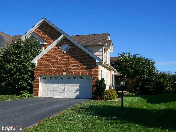 Gorgeous; Loudoun Valley Estates, 4 BR and 2 1/2 Bath, First Floor Master Suite, End Unit, Premium L