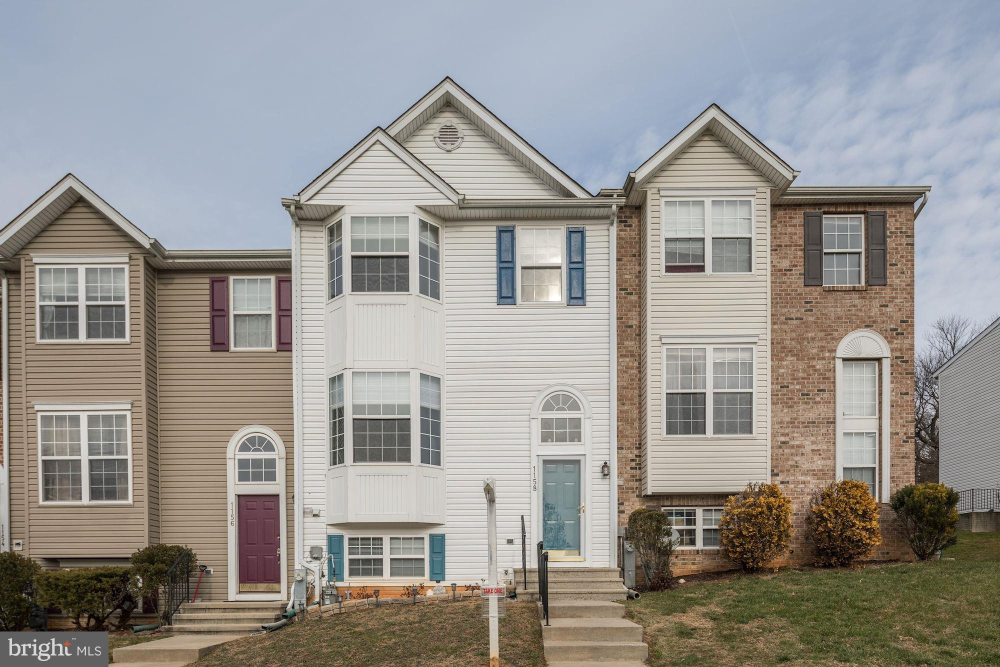 Welcome home to this fabulous, expansive townhome in Piney Ridge Village!  Main level includes a lig