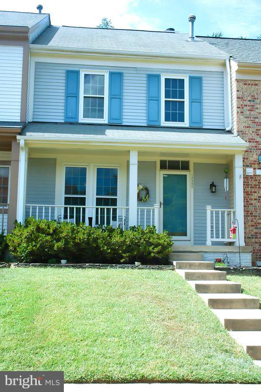 4 level townhome in sought after Westridge neighborhood! Freshly painted, brand new lighting fixture