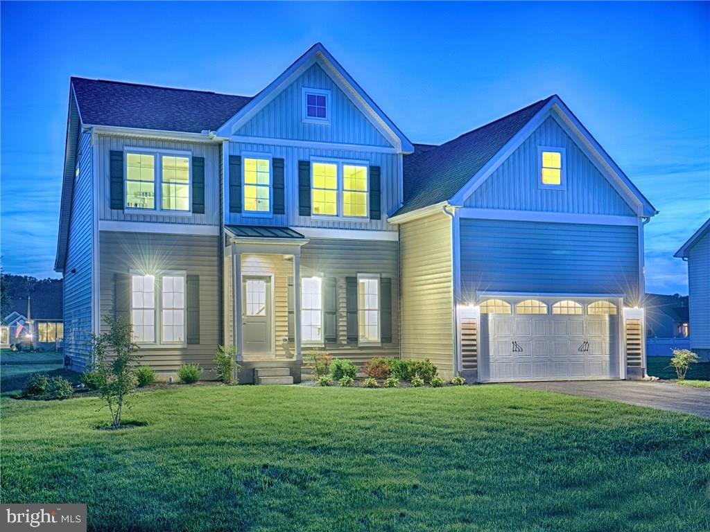QUICK MOVE-IN SUMMERCREST! The Dakota Model is under construction and is a craft-built home by local
