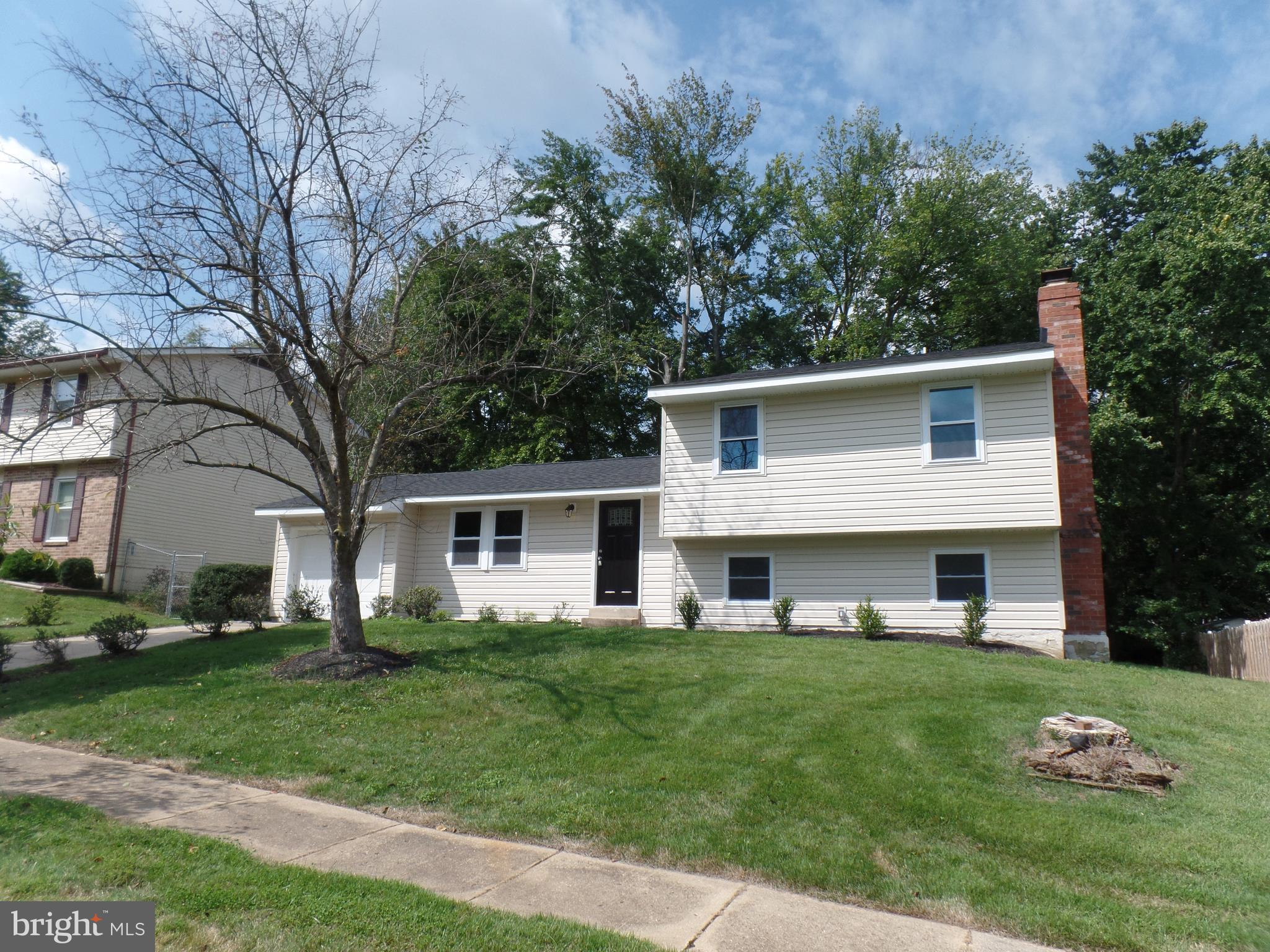 Adorable 1 car garage split level featuring 3 BR and 2.5 baths.  This home has been fully remodeled