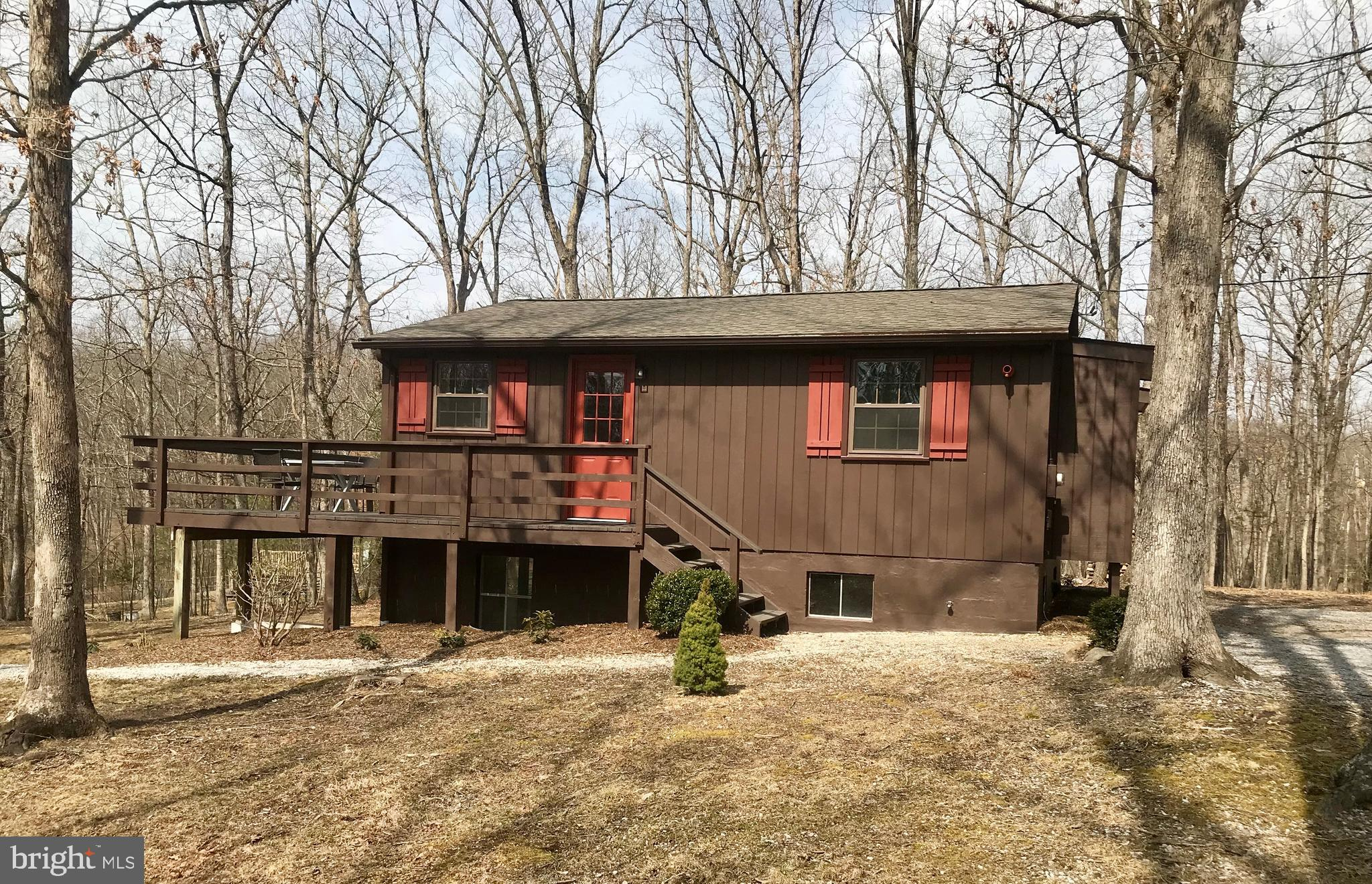 HOT PROPERTY! MULTIPLE OFFERS IN HAND. Cut off date and time for highest and best in 3/18 at 8 p.m.