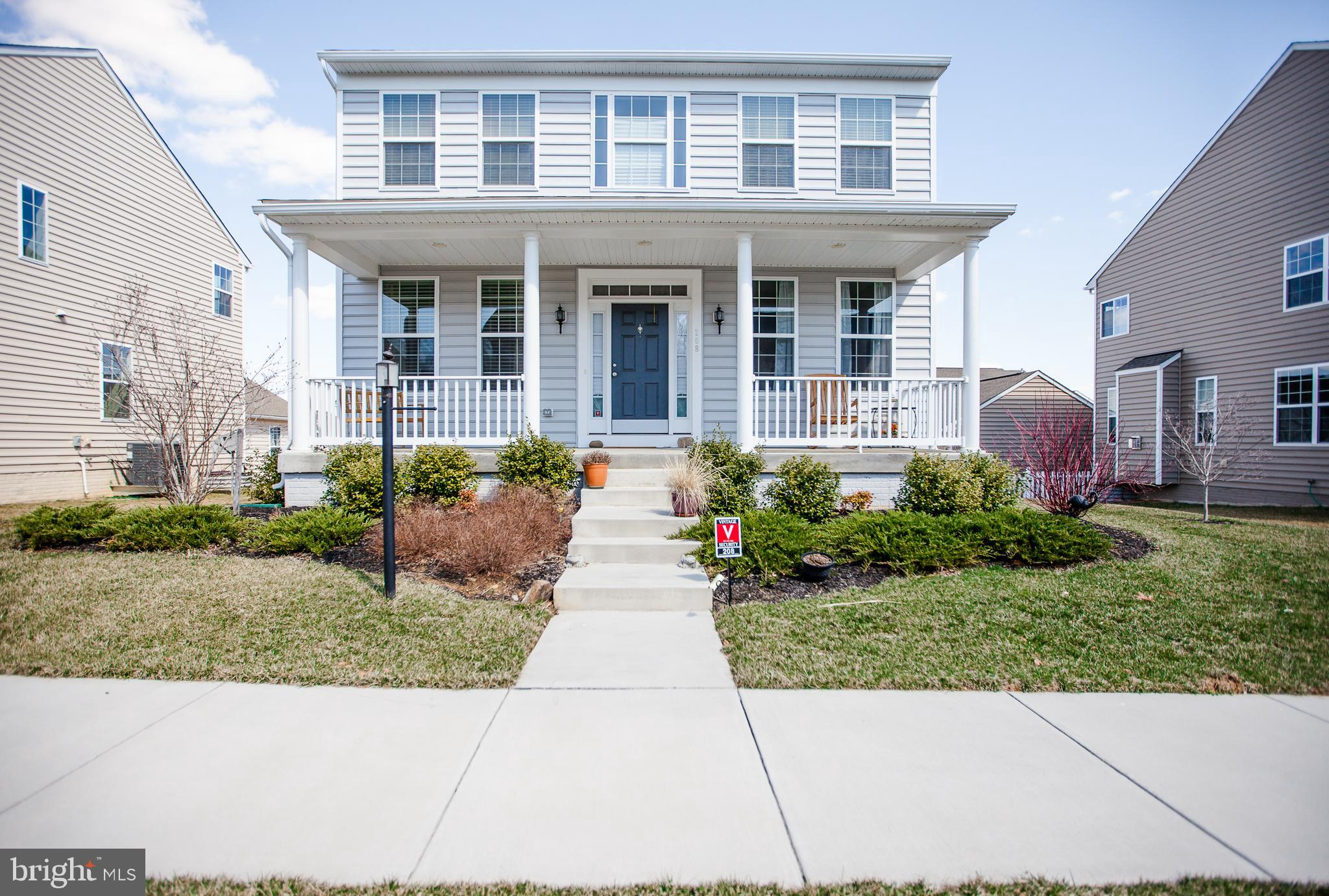 You'll want to put this immaculate 4 year old colonial home in Huntfield on your list!  With 4 bedro