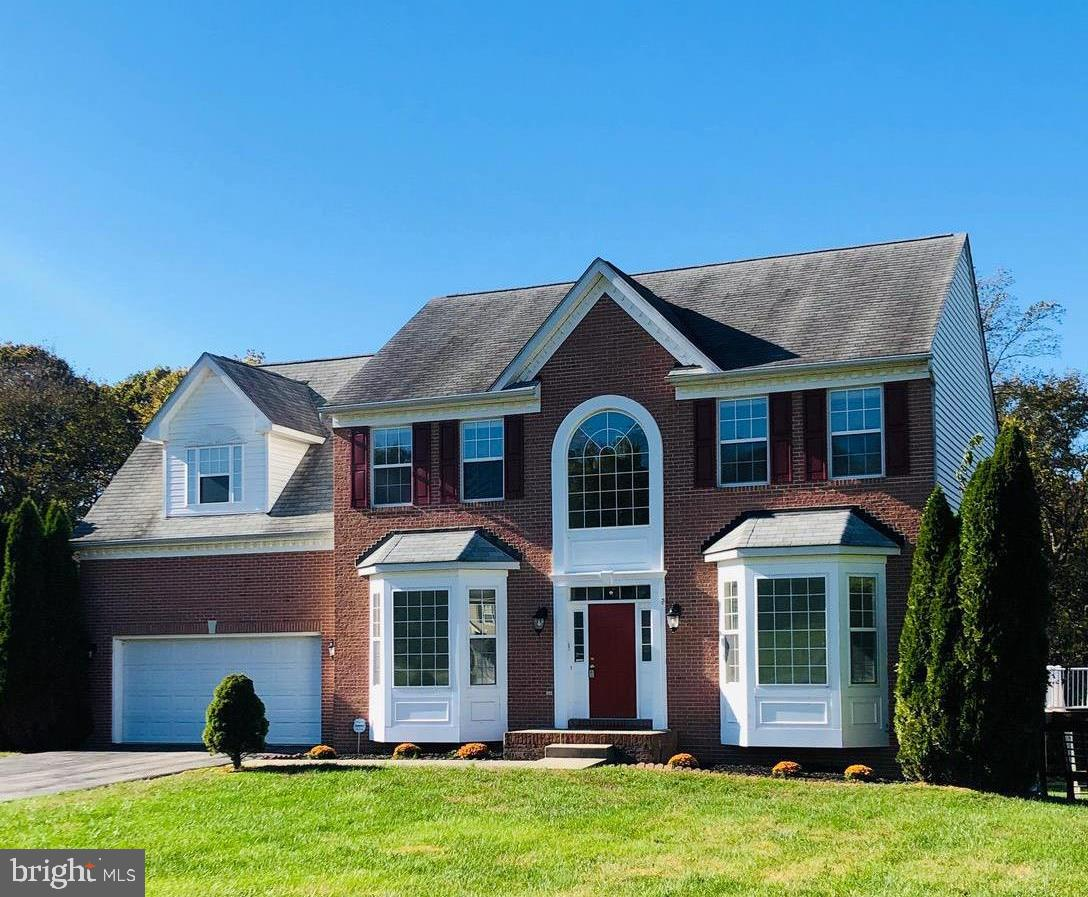 Spacious colonial In Breckenridge North Community! Kitchen features stainless steel newer appliances