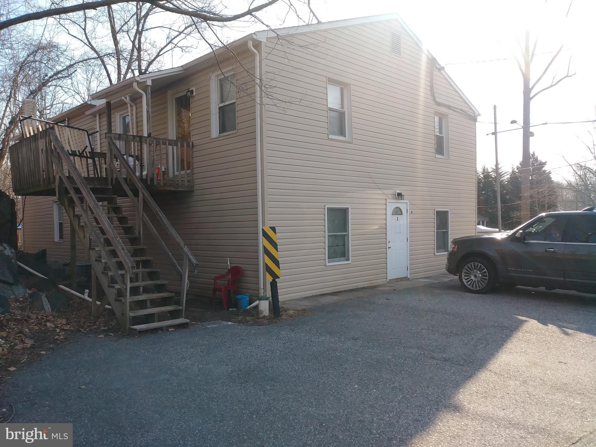 Investment opportunity!! Three units, very well kept, tenants want to stay! Rental income of 33K per