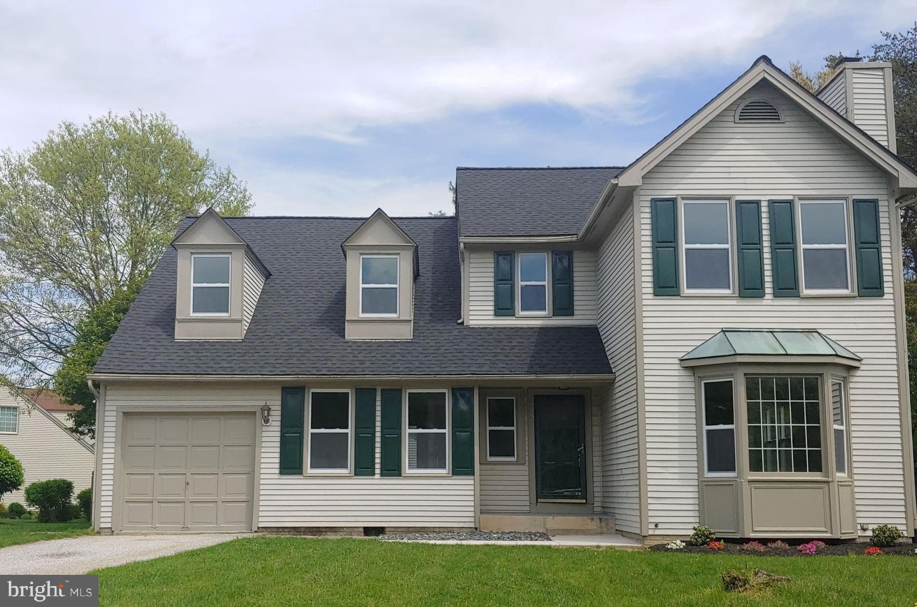 Rarely available single family home in Aspenwood!  Check out this 4 bedroom 3 1/2 bath home located