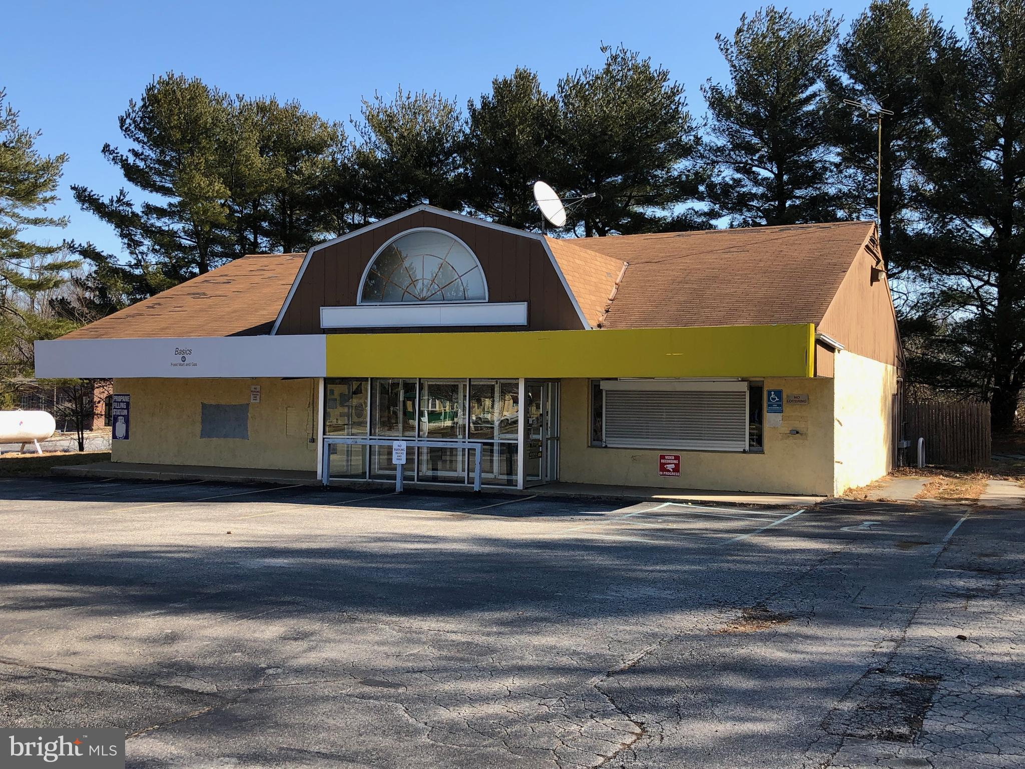 Approximately 2400sf convenience store/gas station for sale along PA-896, just 5 minutes (3.2 miles) from the Delaware state line and a thoroughfare for travelers from PA to Newark, DE area and The Chesapeake Bay. Approximately 1 acre lot with paved parking/handicap parking. Covered Gas pumps in front. Great Signage and visibility.