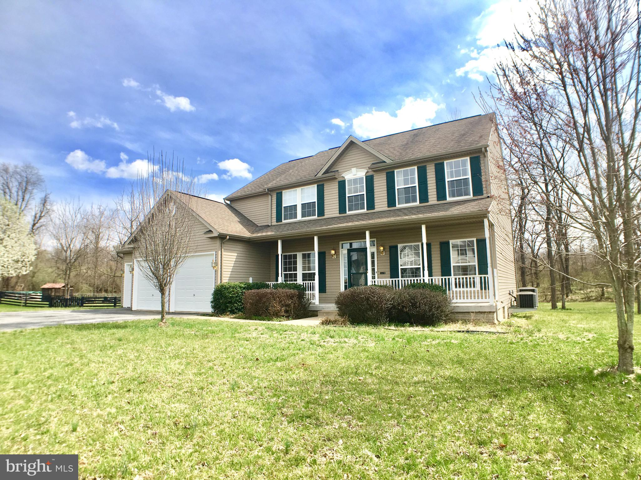 3-Level Colonial in Quail Ridge Subdiv - Turn-Key, Move-In Ready! MAIN LVL: Gleaming REFINISHED Hardwood Flrs & NEW Carpet, Office w/Built-In Bookcases, Formal Liv.&Din. Rms, Laundry Rm, Half Bath, Kitchen w/Center Island, Great Rm, 2-Stry Foyer. UPPER LVL: Mstr Bedrm Suite w/Att.Bathrm & Walk-In Closet,3 Addit.Bedrms & Full Bathrm. 3-Car Garage,Unfin.Walk-Out Bsmnt w/Bathrm Rough-In. Virtual Tour!  > > >  HERE'S A CLOSER LOOK  > > >  Paved Roads of Quail Ridge Subdivision to Paved Driveway -- Front Covered Porch to Main Entrance -- INTERIOR: 2-Story Foyer Main Entrance with Office (with Built-In Bookcases) to Left, Formal Living Room to Right which is Open to Formal Dining Room -- Formal Dining Room with Chair Railing & Access to Kitchen -- Kitchen with Center Island, Table Space Breakfast Area (with Sliding Door, Steps to Backyard), Open to Great Room (with Gas Fireplace & Wall of Gorgeous Windows) -- Main Level Hall to Foyer with Laundry Room (with 3-Car Garage Access Door), Half Bathroom, & Basement Access -- UPPER LEVEL: 2-Story Overlook from Hallway -- Master Bedroom Suite with Attached Full Bathroom (2 Sinks, Corner Jetted Tub, & Separate Shower) & Walk-In Closet -- Bedrooms #2-4 & Full Bathroom #2 (2 Sinks) Accessed from Hallway -- LOWER LEVEL: Unfinished Basement with Rough-In Bathroom, Walk-Out Steps, & Windows -- EXTERIOR: 0.81 Acre with Rear Yard Backing to Trees & Storage Shed.   > > >  WHAT'S NEARBY  > > >  1.7 Miles to Route WV 9, Lee than 0.5 Mile to Cascading Creek Park & Cascading Waterfall Brook Park, 6.4 Miles to Route 11, 7 Miles to I-81, 7 Miles to Martinsburg, 11.8 Miles to Center of Charles Town & Ranson, 17.1 Miles to Harpers Ferry, 7.9 Miles to Shepherdstown, & 25 Miles to Winchester, VA.