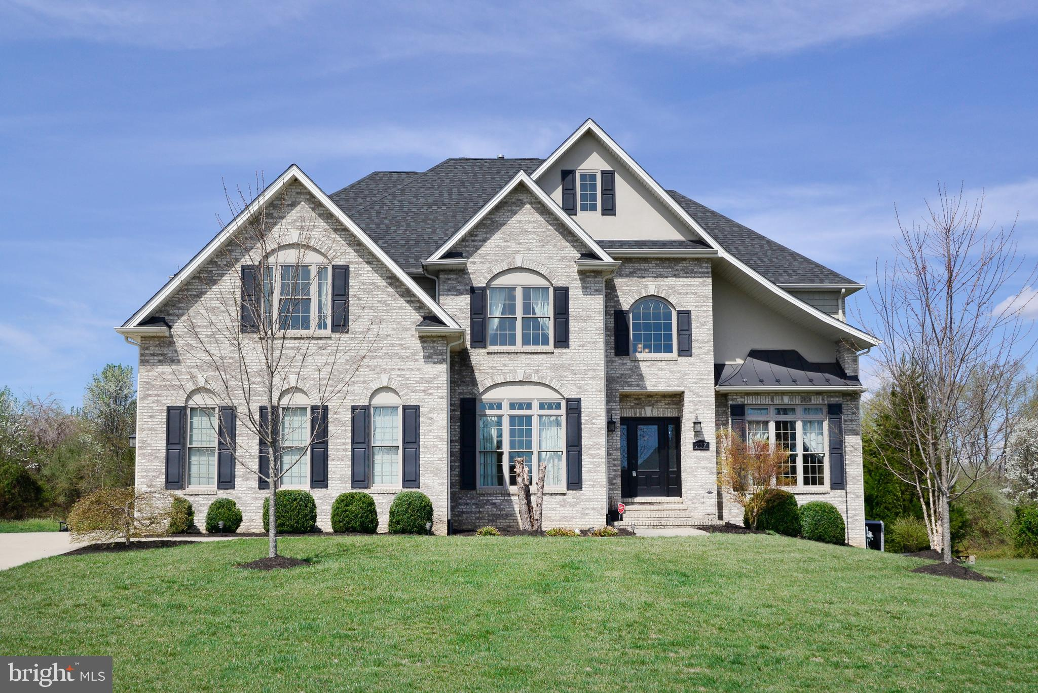 This custom built home will dazzle you with so many upgrades!  Amazing curb appeal with size load ga