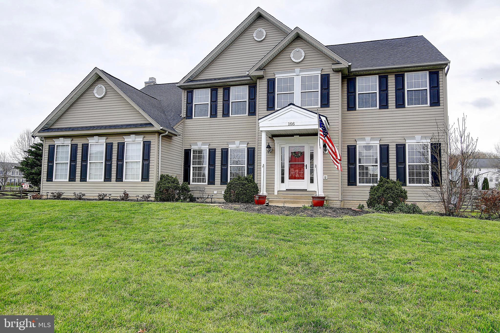 Bright and Open Colonial on Gorgeous Lot in Meadow Brook Farm Community! 5 bedrooms, 3.5 bathrooms.