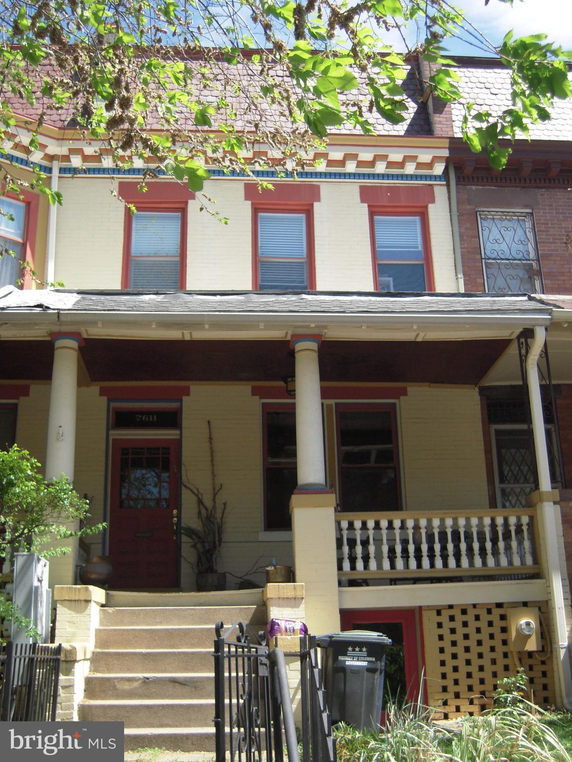 ATTN INVESTORS/DEVELOPERS ~ extremely rare opportunity to acquire 3 adjoining row homes in south Col