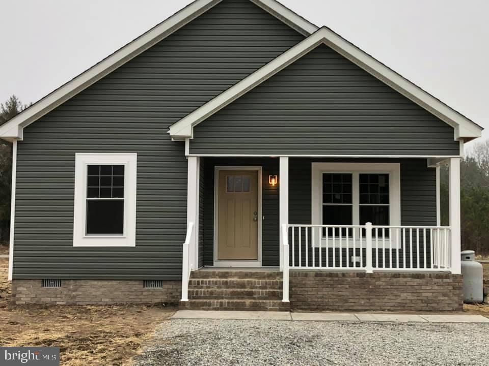 New Construction 3BR/2BA home to be built by a local, reputable builder. Charming front & back porch