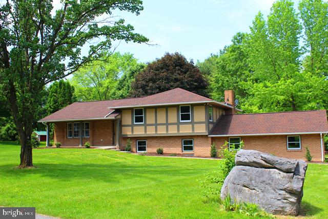 Highly sought after Tuscarora Pike Area Subdivision just west of exit 13 in rarely available Westgat