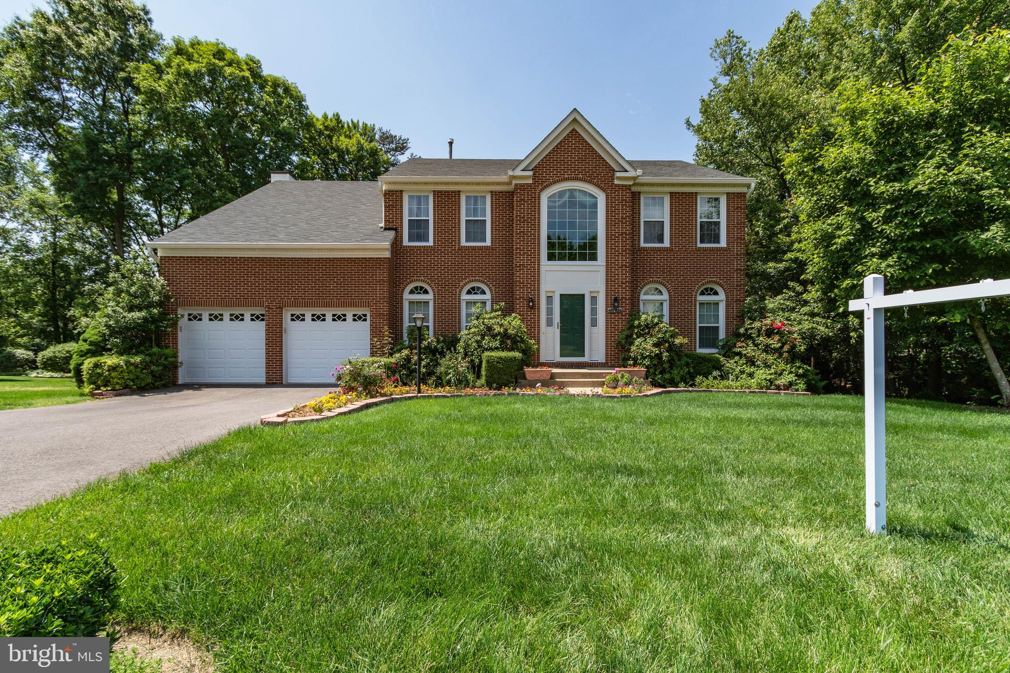 Own this fabulous full brick front colonial home!!A well designed and built home in a great neighbor