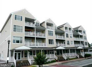 the most efficient, affordable, quality of life you can find ** 3rd floor 1 bed room 1 full bath con