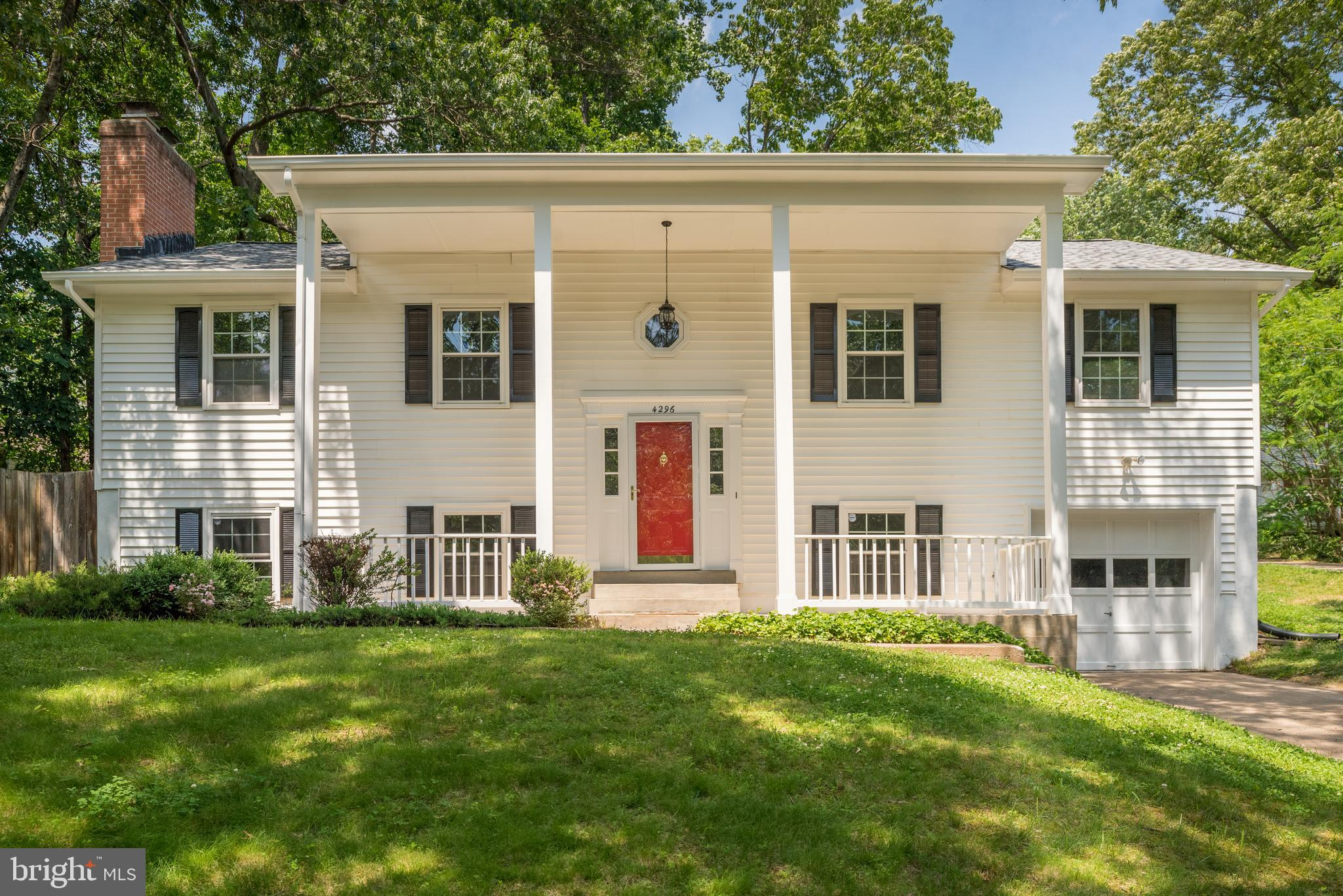 Charming single-family Colonial in quaint Montclair neighborhood! Over 2,500 square ft. of space inc