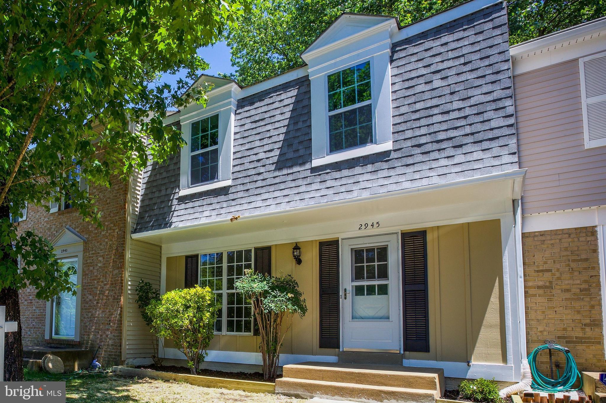 Beautifully remodeled 3 bedroom 2.5 bathrooms townhouse with stainless steel appliances, granite cou