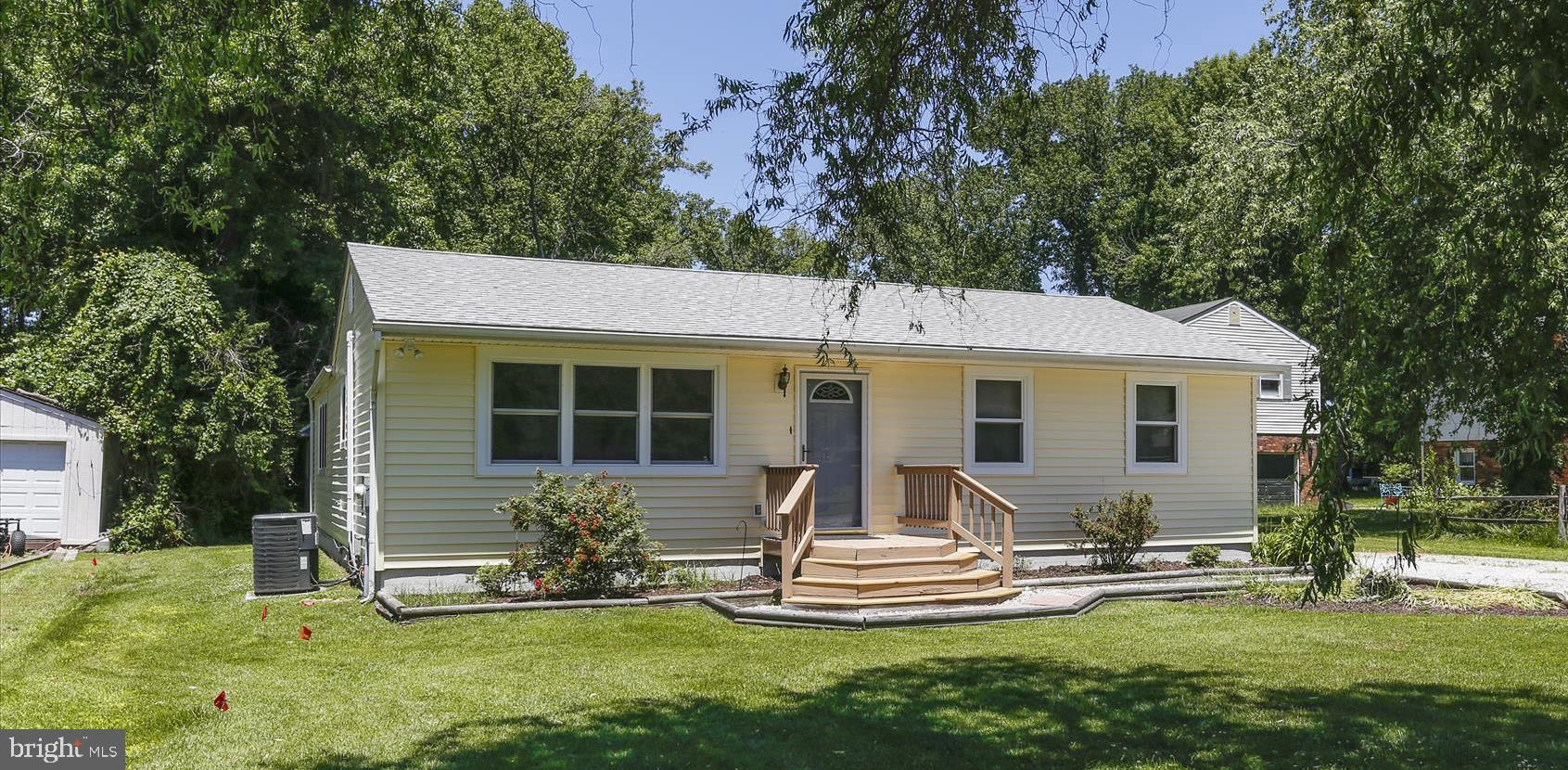 PACK YOUR BAGS!!  One level living is yours in this comfortable  rancher in Kent Island Estates.  Re