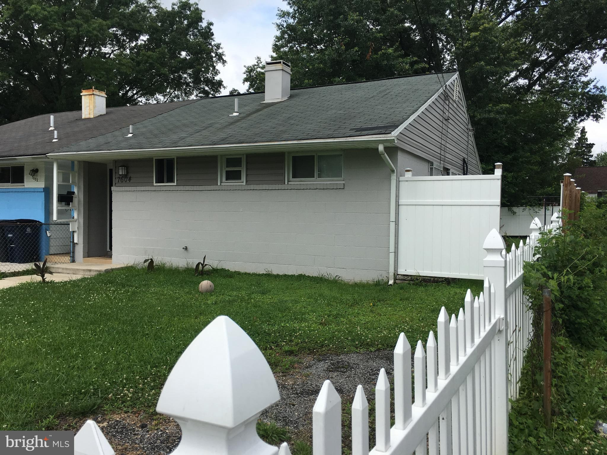 Beautiful RENOVATED 3 bedroom 2 bath duplex! (YES 2 BATHS!), Come see the remodeled kitchen with gra