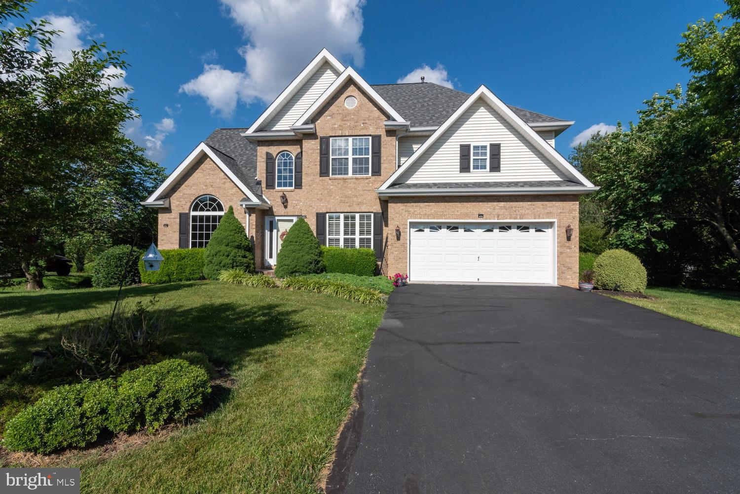 Custom built home overlooks the 12th green at Locust Hill Golf Course. Views of the Blue Ridge Mount
