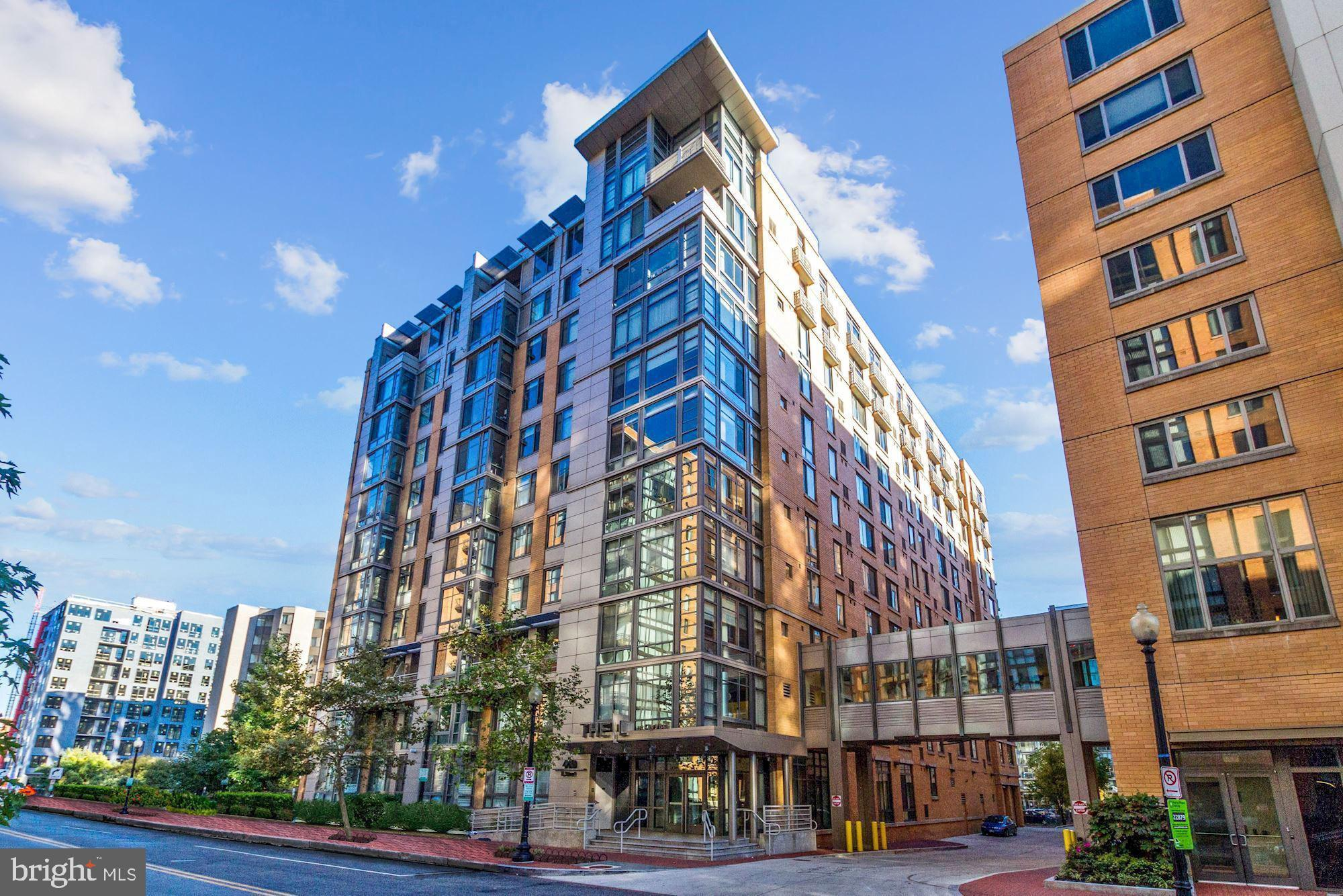 Largest 9th floor residence! Rarely available front-facing corner unit! Assigned garage parking! Occ
