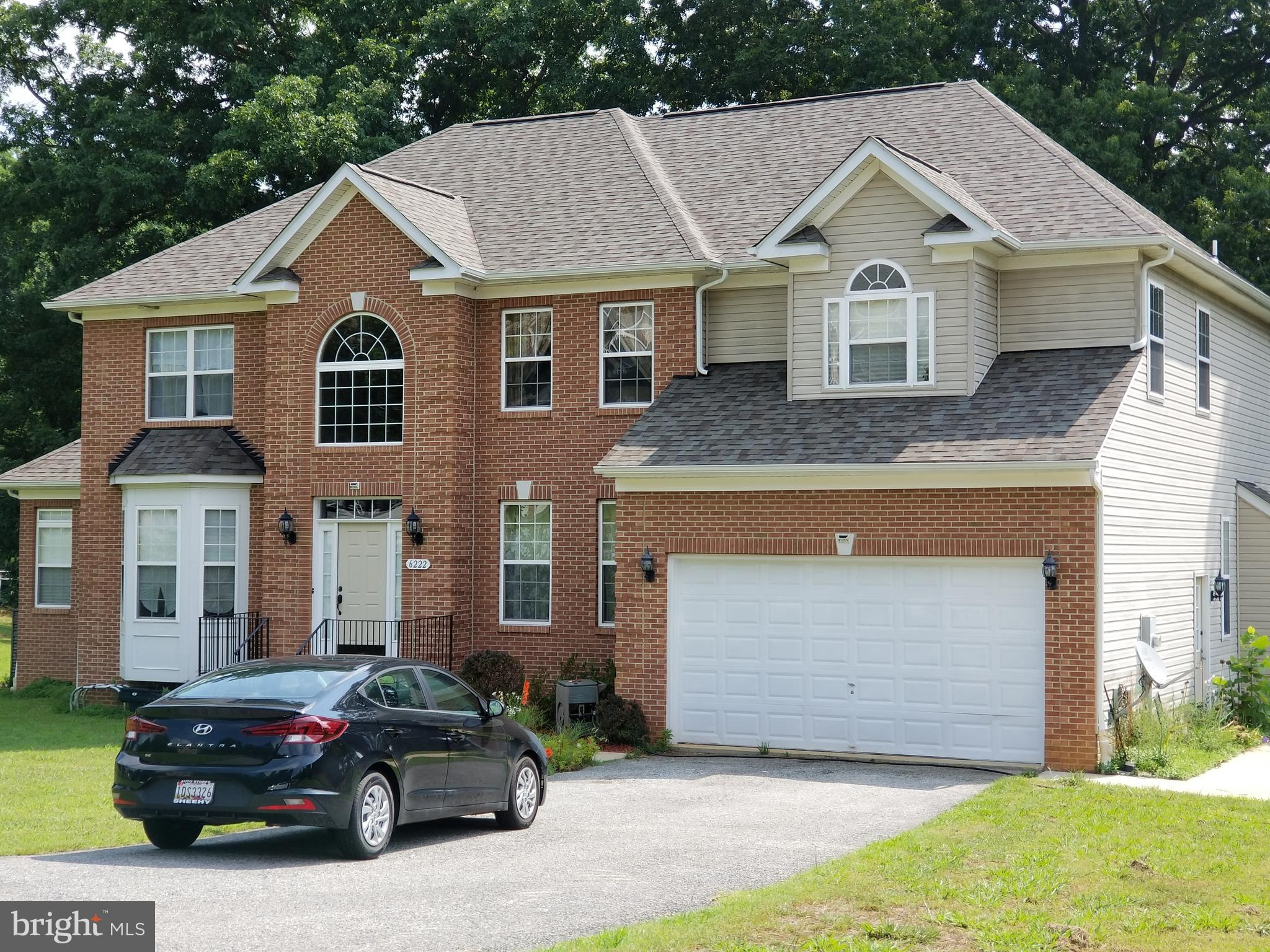 8 bedrooms and 4.5 baths - FULL FINISHED BASEMENT HAS AN APARTMENT WITH SEPARATE ENTRANCE, 4 BEDROOM