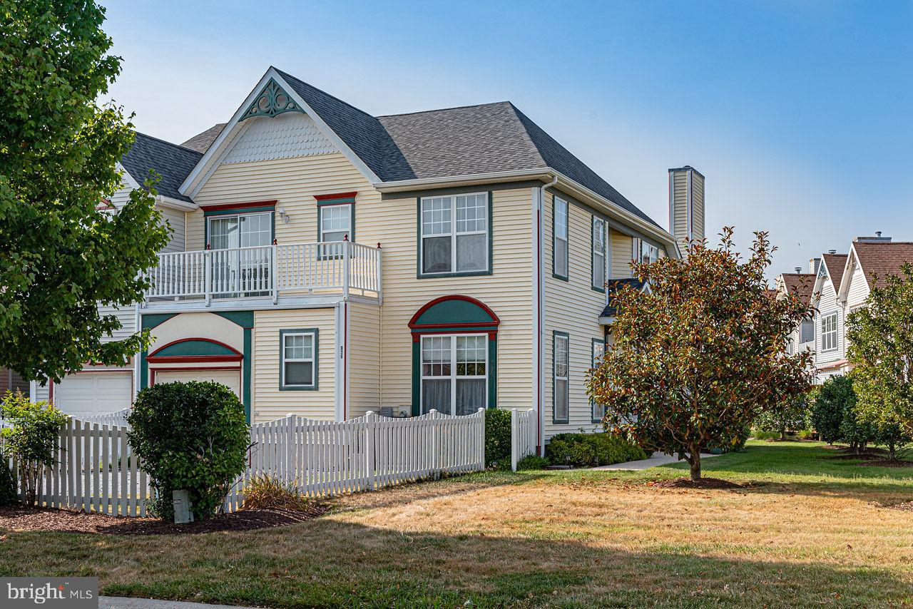 3 Bed, 2.5 Baths, End Unit, All Appliances, Vinyl Siding, Storm Door, Walk-In Closet, Gas Fireplace, Garage, Window Treatments, Sprinkler System, Laundry Room, 5 Ceiling Fans, Balcony, Vinyl-Tech Screened Porch, 1 Year Home Warranty For Buyer's Benefit,Your Future Home Awaits You!