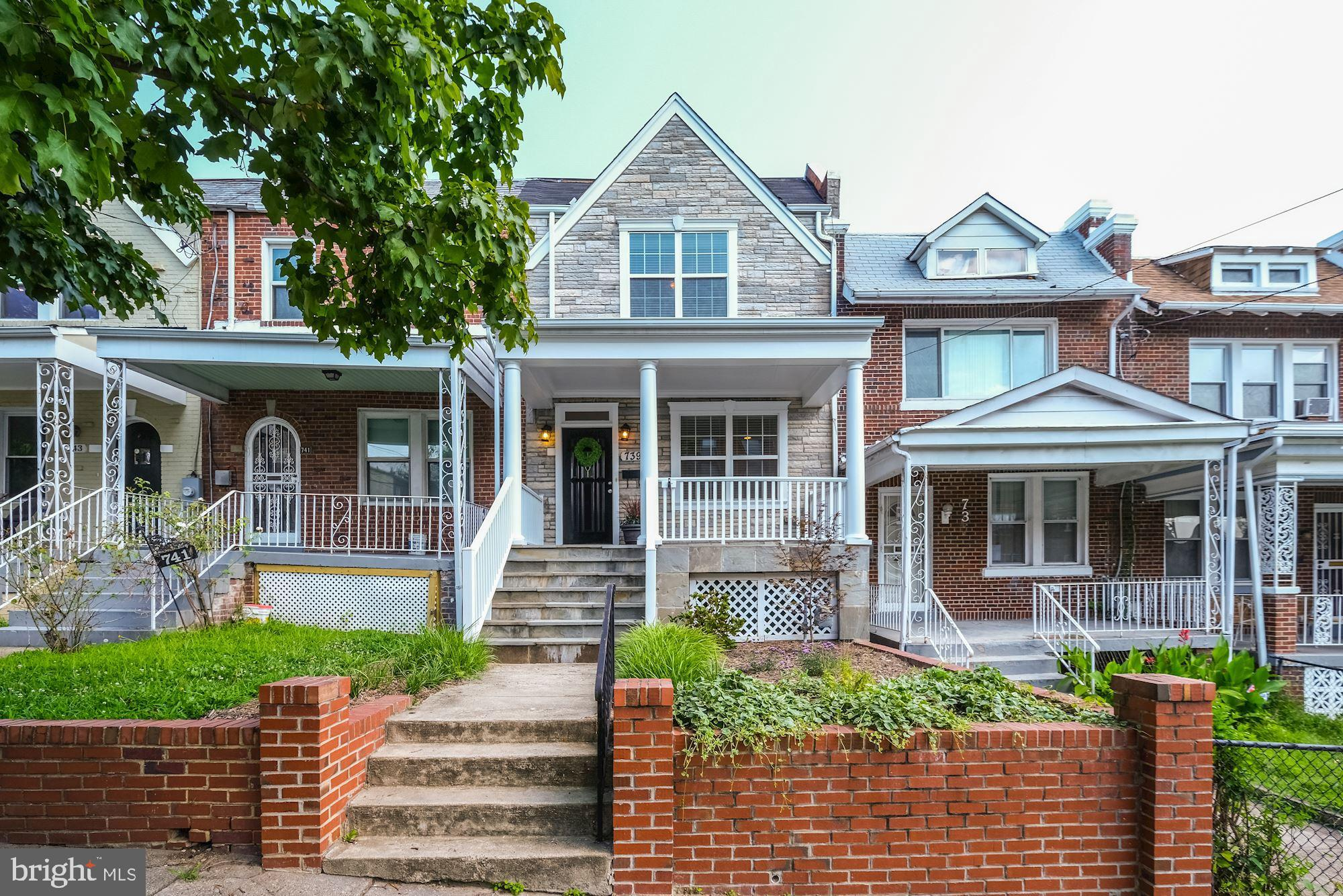NEW LISTING!! Open Sunday, July 21st from 2 - 4 PM! Fully renovated 4 bed, 3 bath row home that pair