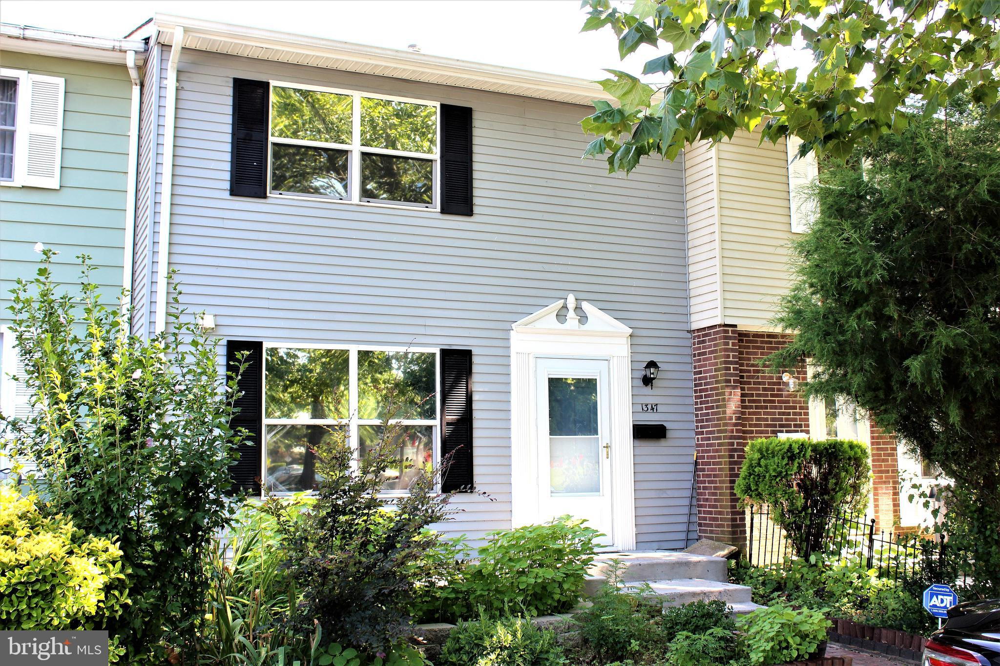 Gorgeous renovated townhouse!  private fenced backyard with shed. 2012 roof. Kitchen has just been f
