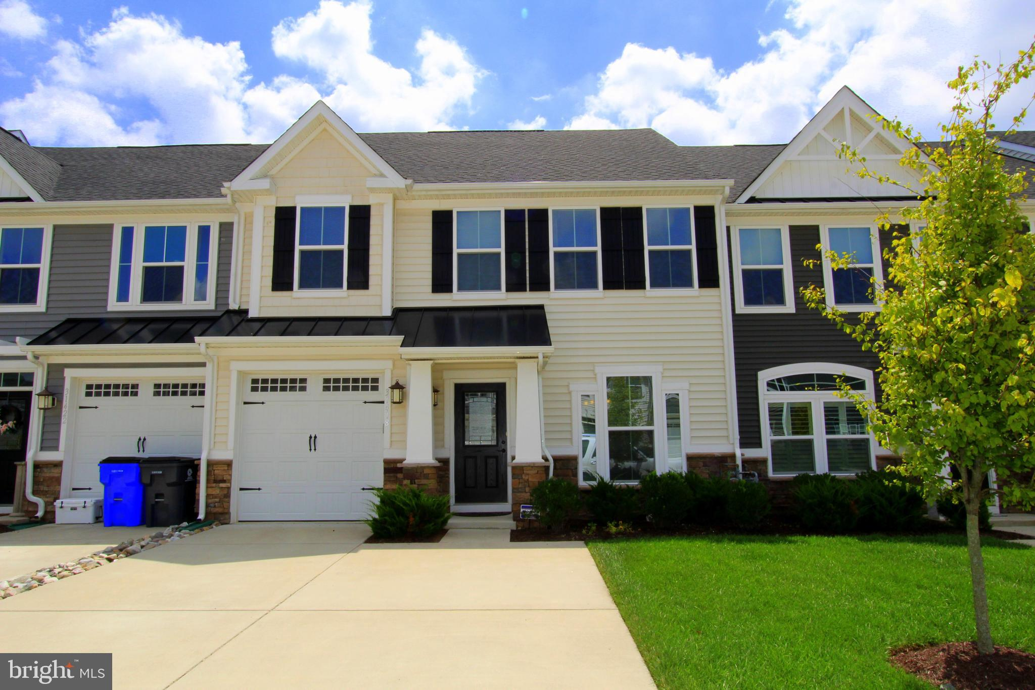 This beautiful 3 bedroom, 2 one half bathroom town home with an open floor plan has all the upgrades