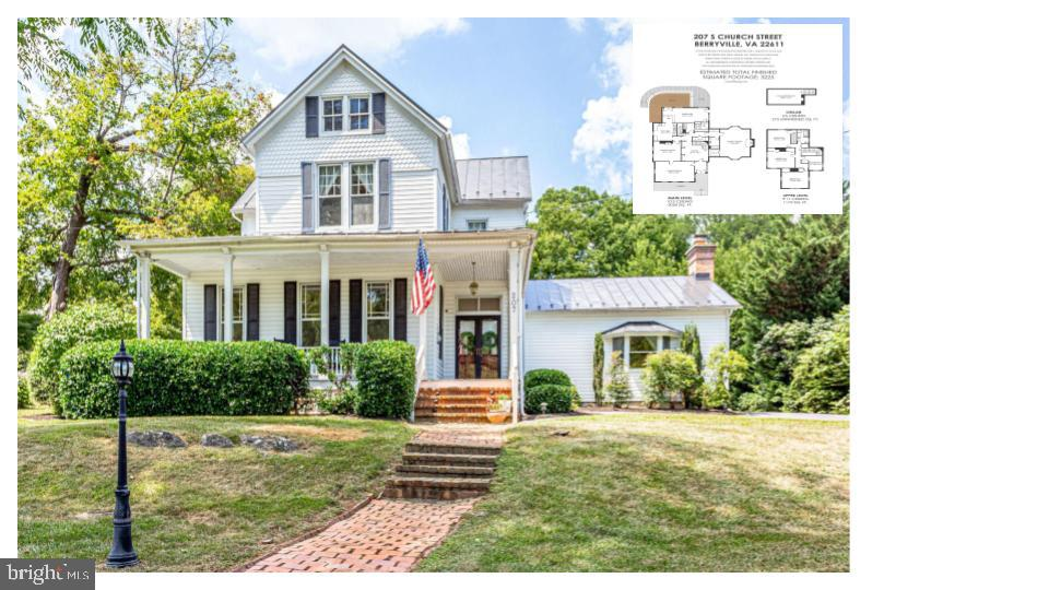 Historic charm meets beautiful remodel in downtown Berryville! Fabulous location just two blocks fro
