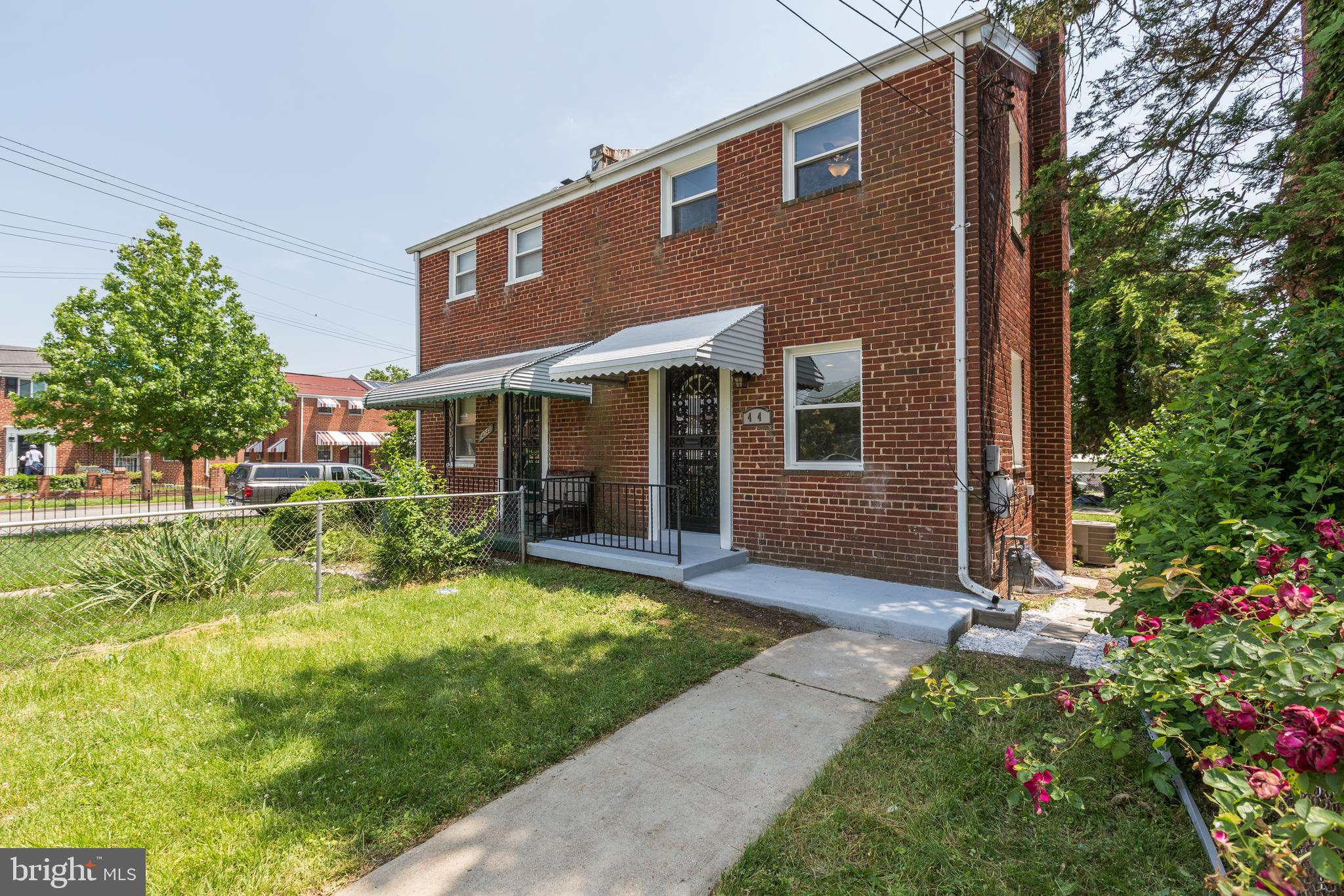 Stunningly renovated full 3bed 2bath semi-detached rowhome in the very quiet Fort Dupont Park neighb