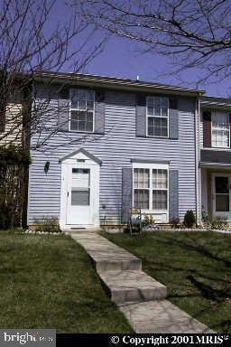 HOME SOLD AS-IS. IT ALLOWS YOU  TO PERSONALIZE IT. SPACIOUS 3BR,1 & 1/2 BATH TOWNHOME. NICE BACKYARD