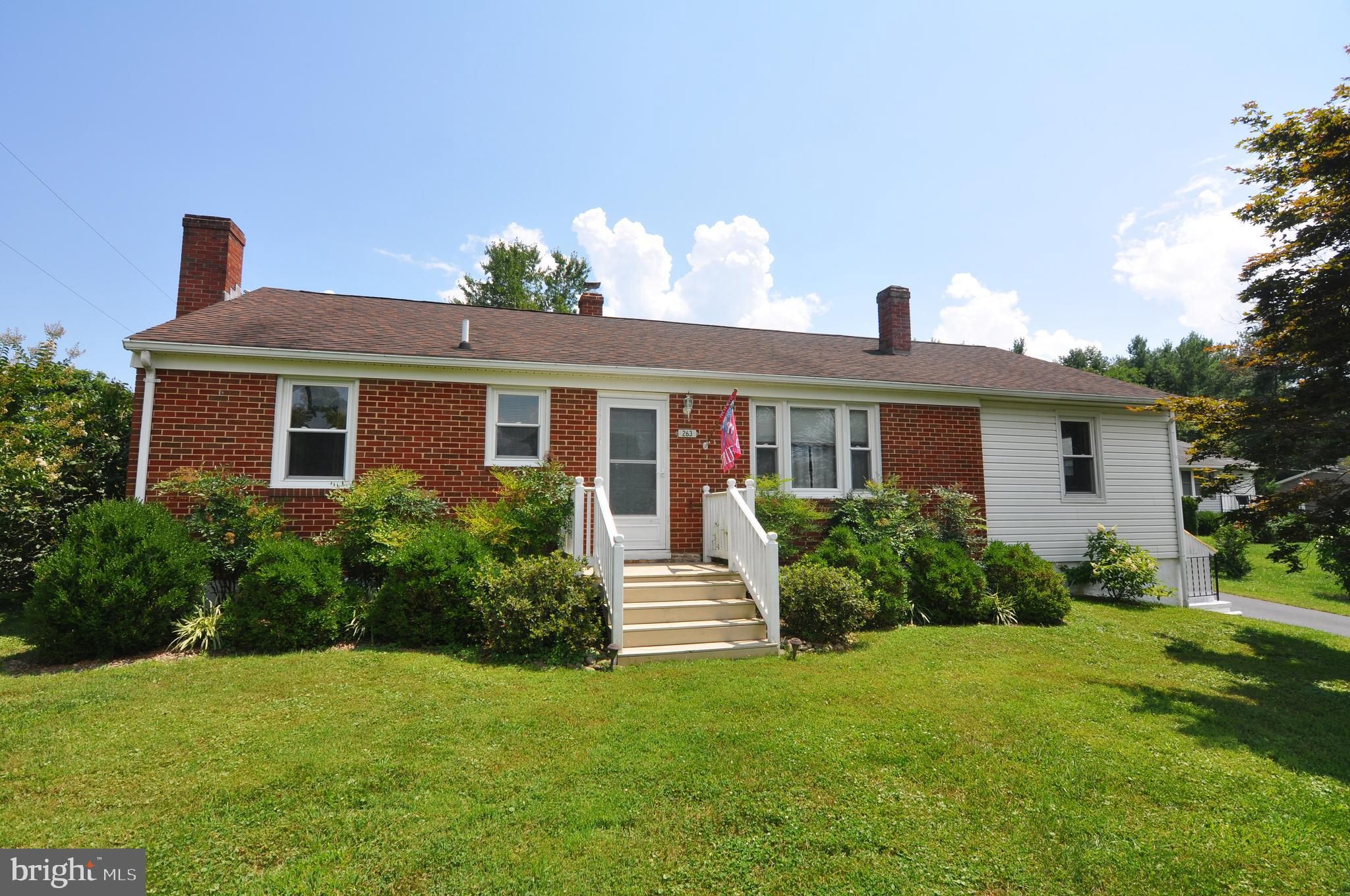 HOME SWEET HOME! A COMMUTER'S DREAM COME TRUE! Well-maintained 3-bedroom, 2-bath rancher on a beauti