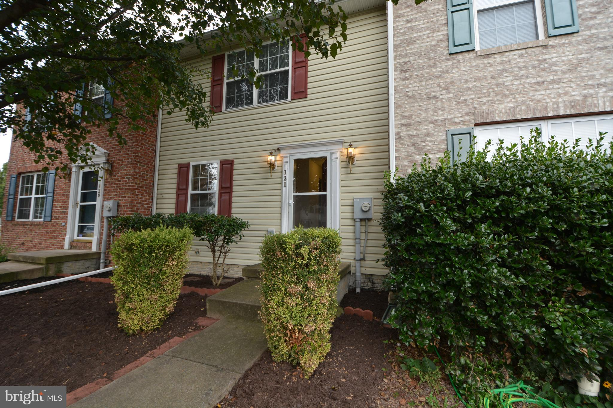 Property is in great condition and ready for a new owner. Close to just about everything. Great comm