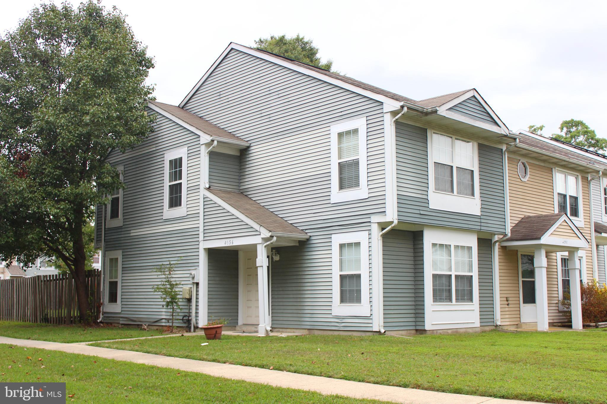 MOTIVATED SELLER!!!  Lovely end unit town home....  large master bedroom with lots of closet storage