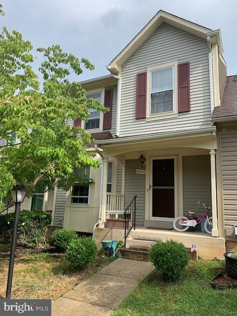 Come see this lovely opportunity in sought after Montclair! 3 level townhome w/ 3 bedrooms - main be