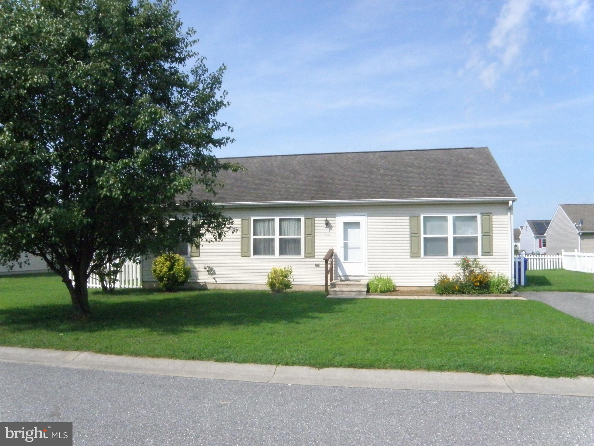 Charming home located in Milton comes with a split floor plan & fresh paint is move-in ready.  Short
