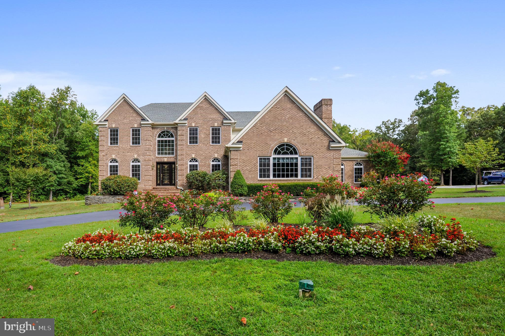 Pristine, gorgeous all brick, custum-built and well appointed 6000 sqft four bedroom, five bathroom