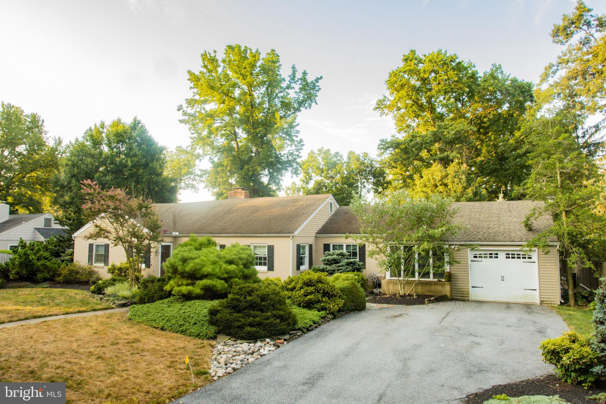 Have you been hoping for a Westover Hills ranch home that has been stunningly upgraded?  You found i