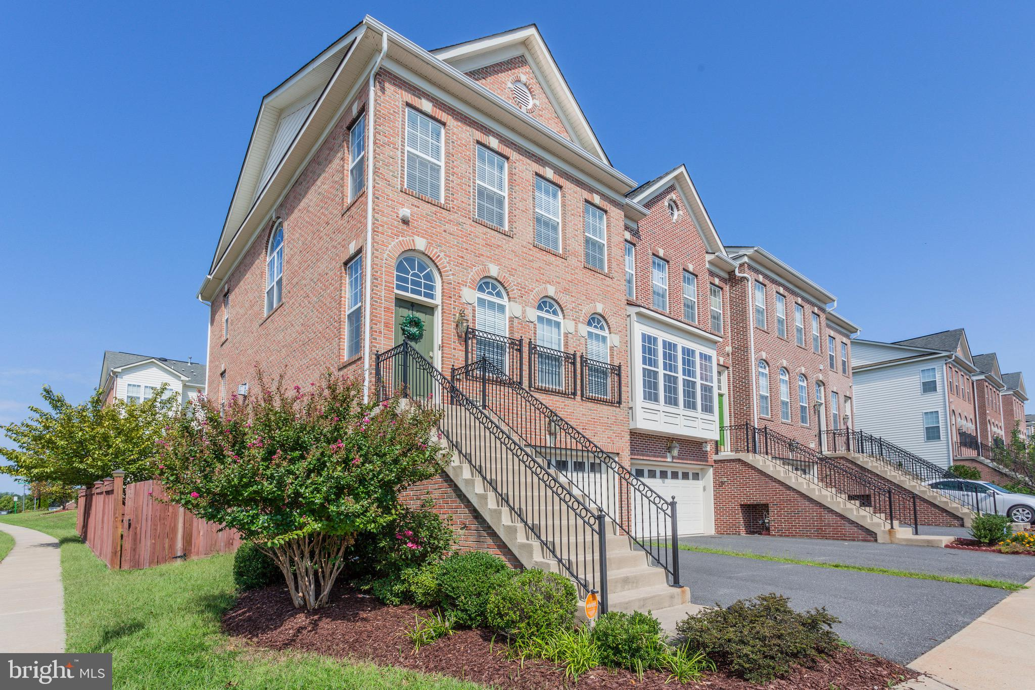 Welcome home, to easy living in Port Potomac. This well maintained end unit provides a comfortable p