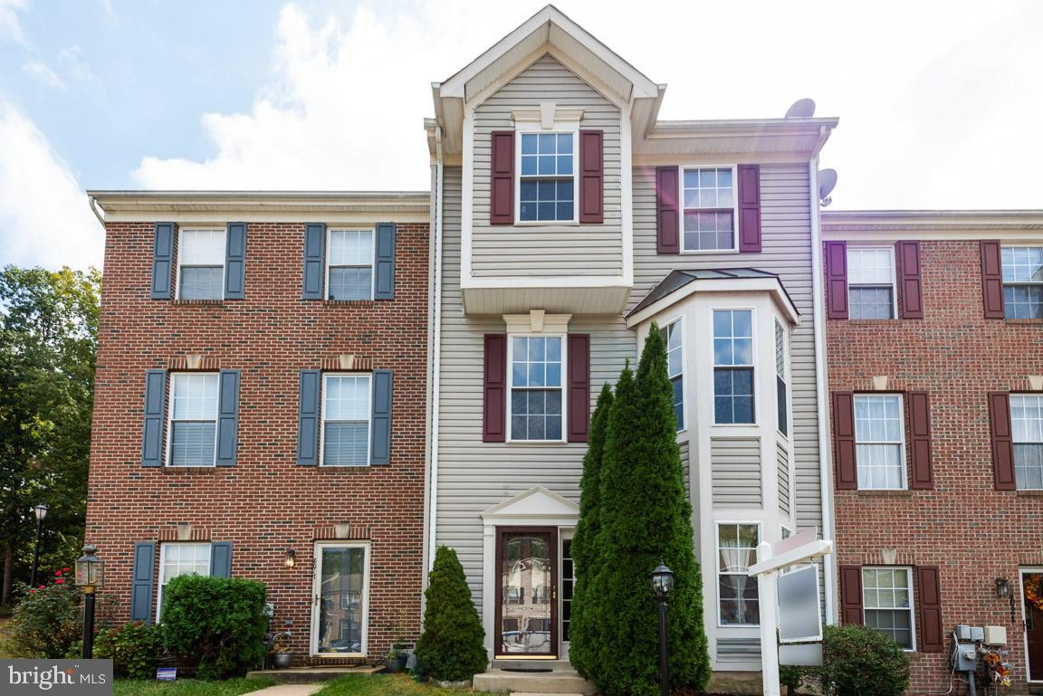 Why rent!? Build equity! You can own this 4BR, 2.5BA townhouse for LESS than it would cost to lease